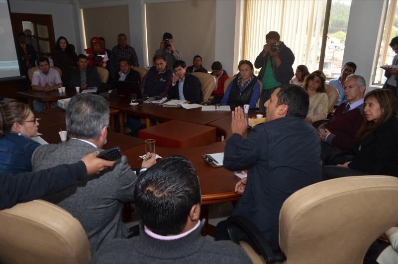 Comienzan obras que mejoran la conexión del departamento con el país