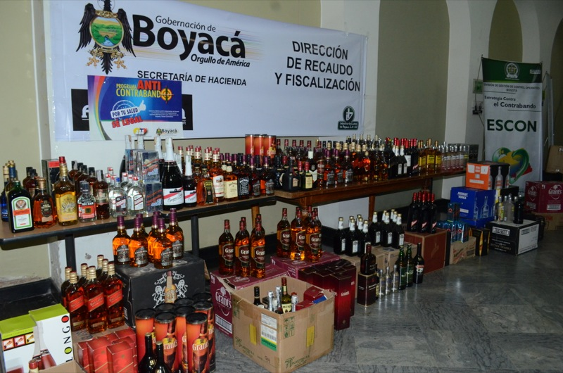 Policía Fiscal y Aduanera incautó licores de contrabando en municipios del departamento