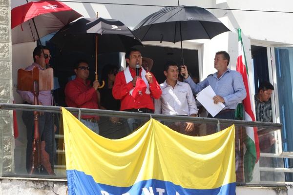 Cuatro municipios de Ricaurte beneficiados con ambulancias entregadas por el Gobernador