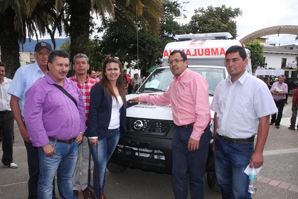 Mandatarios municipales de la provincia de Oriente agradecieron entrega de ambulancias