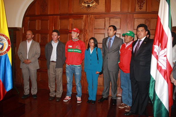 Gobernador de Boyacá recibe a campeón del Tour De L´Avenir,  'Supermán' López