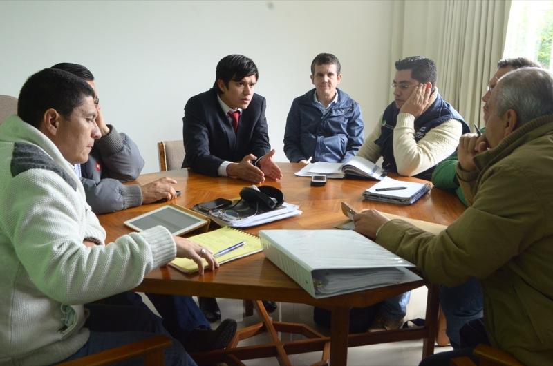 Gobernador (e) requiere celeridad en interventoría en el sector de Puente Camacho-Las Juntas
