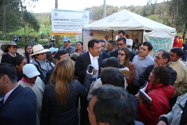 Gobernador se comprometió con la comunidad de Pirgüa a realizar estudios y diseños de la vía