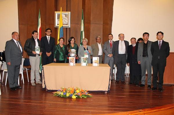 Se premiaron los libros publicados por el Consejo Editorial de Autores Boyacenses 2014