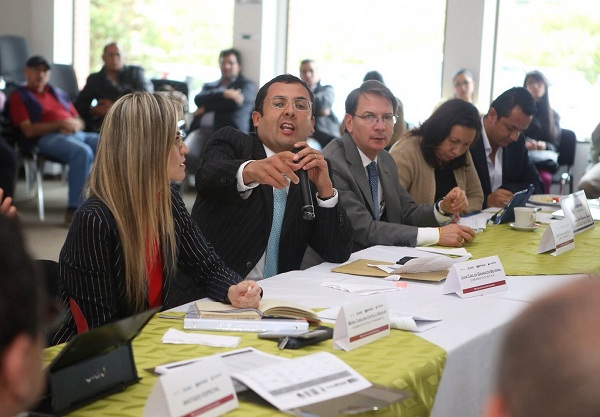 Gobierno Nacional y Departamental trabajan en cierre financiero para culminación de obras