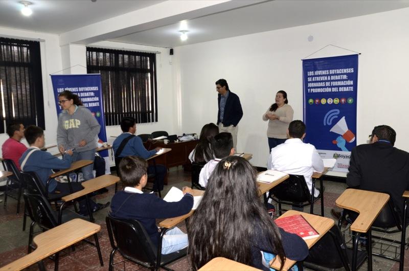 Sugamuxi y La Libertad se enfrentaron para ganar un cupo en la final del concurso debate