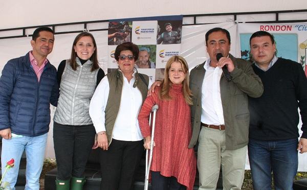 Minvivienda y Gobernadora (e) entregaron 80 viviendas gratuitas a familias del municipio de Rondón