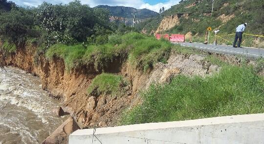 Pérdida de la bancada causa cierre en la vía Sogamoso - Corrales