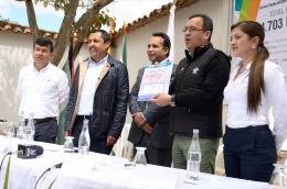 Gobernador entregó escrituras para Centro de Formación Especializado en Gastronomía y Turismo