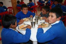 """""""Con el manejo del Plan Alimentario Escolar, no se perderá ni un grano de arroz"""": Gobernador"""