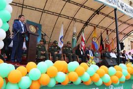 """Gobernador hizo lanzamiento de campaña """"Asumo el Reto Por Boyacá"""" y entregó parque automotor"""