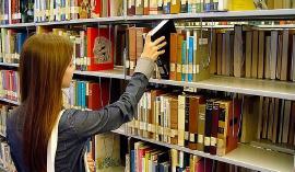 Bibliotecarios reciben capacitación para utilización de dotación de nuevas tecnologías