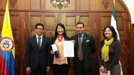 Voluntaria Japonesa recibió condecoración por su labor con empresarios de Queso Paipa