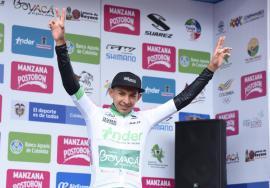 Rafael Pineda continúa líder sub-23 en la Vuelta a Colombia