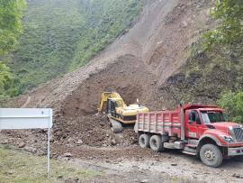 Continúa cierre total de la vía que comunica a Guateque con Santa María