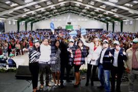 El Gobernador de Boyacá entregó más de 1.800 tabletas en el Día del Maestro