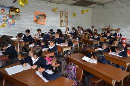 Niños, niñas y jóvenes de municipios no certificados regresan a clases el 6 de julio