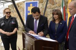 Gobernador entregó vehículos para mejorar la seguridad de los boyacenses