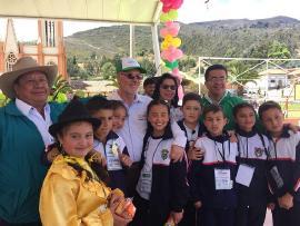 Secretario agradece a la comunidad educativa su compromiso con el Mes de la Niñez y la Recreación