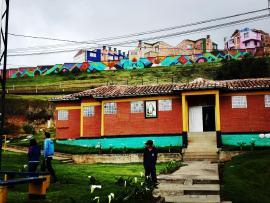 """Centro de Atención Especializado de la Casa del-a Menor Marco Fidel Suárez fue embellecido con la espectacular obra: """"Muros de Libertad"""""""
