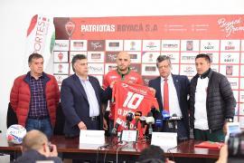 Volante argentino, Omar Pérez, fue presentado este lunes por Patriotas Boyacá