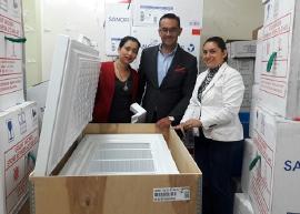 Gobierno entrega refrigerador para biológicos de vacunación a Gachantivá