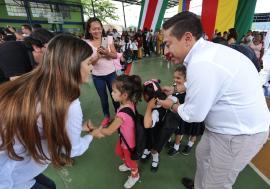Gobierno Creemos en Boyacá entregó  kits escolares en San Pablo de Borbur