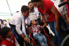 Gestora Social entregó sillas de ruedas a niños de Labranzagrande
