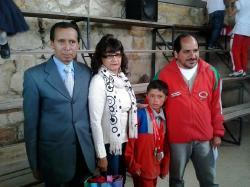Merecido reconocimiento a campeón infantil de Tejo