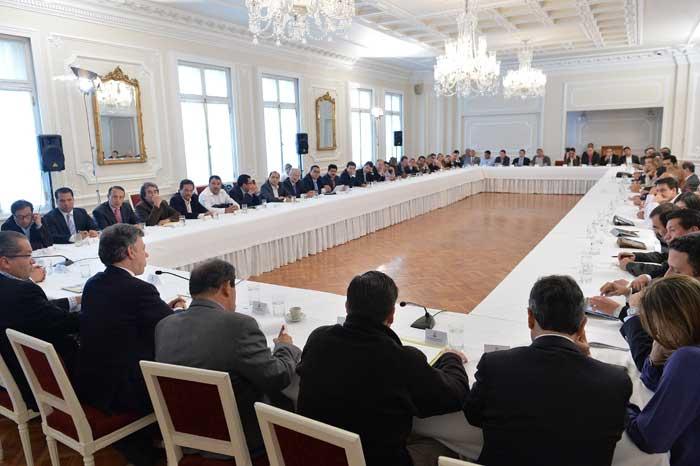 Aspecto de la reunión entre el presidente Santos y los gobernadores de Colombia. Foto: Presidencia