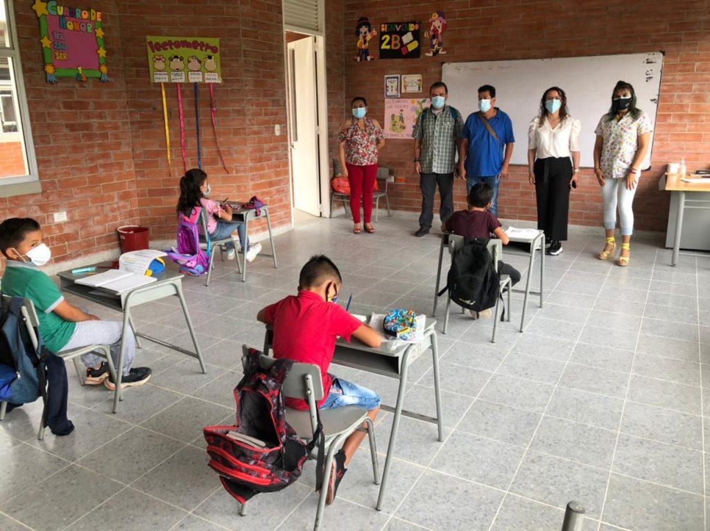 Sigue el proceso de retorno a las aulas en las instituciones educativas del departamento