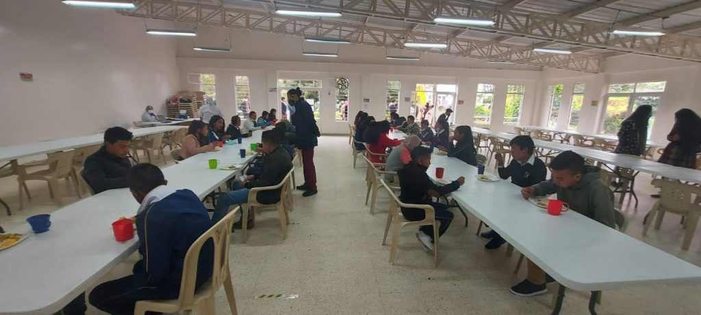 """""""El Programa de Alimentación Escolar solo debe ser suministrado en el establecimiento público, como regla general"""""""