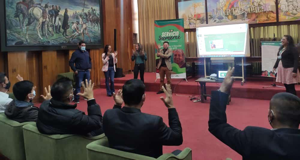 Lideresas y líderes sordos se reunieron para garantizar una atención adecuada desde el trato digno